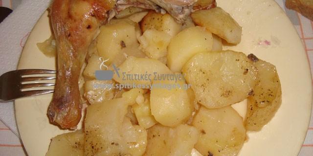 Κοτόπουλο με πατάτες στο φούρνο